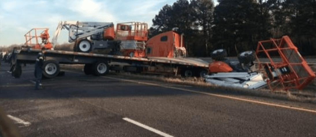 Man Dies After 18 Wheeler Cargo Falls Off Trailer on I-45 Near
