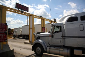 Can the federal trucking regulations apply to other commercial vehicles that are not tractor-trailers with CDL holders? Depending on the facts, the federal trucking regulations are not limited to big tractor trailers that require a CDL.