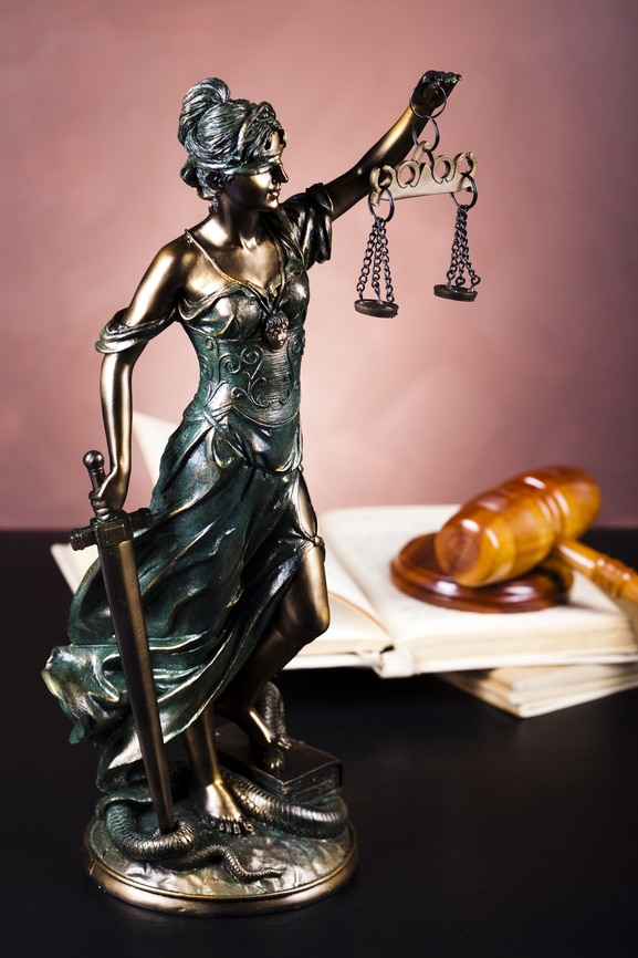When Should I File a Personal Injury Lawsuit: 5 Signs It's Time to File