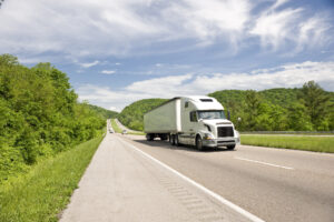Federal Program Tests Interstate Trucking for 18-to-20-Year-Old Drivers
